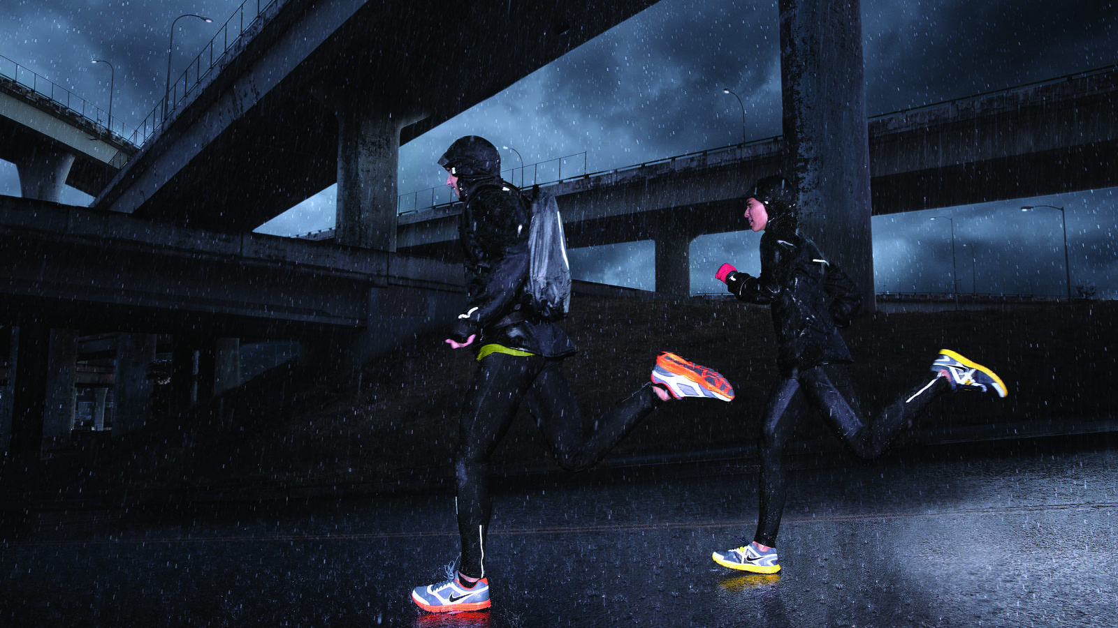 NikeRunningHO11_RAIN_4_hi_hd_1600